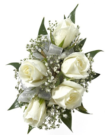 Five Rose Corsage White Us Retail Flowers Flowers Plants And